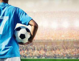 Po jakim czasie od rekonstrukcji ACL piłkarz jest gotowy na powrót do gry? 3